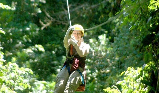 fille-tyrolienne-Costa-Rica