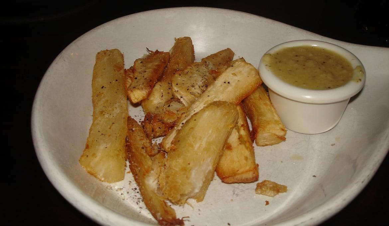 yuca-con-mojo-kuba-food